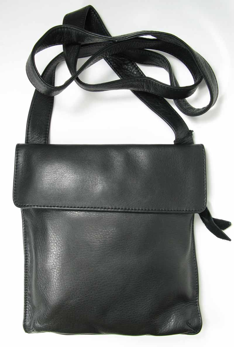 Flat Bag with Flap in Black