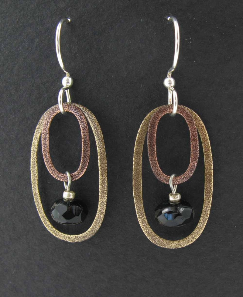 Oval rings with drop earrings