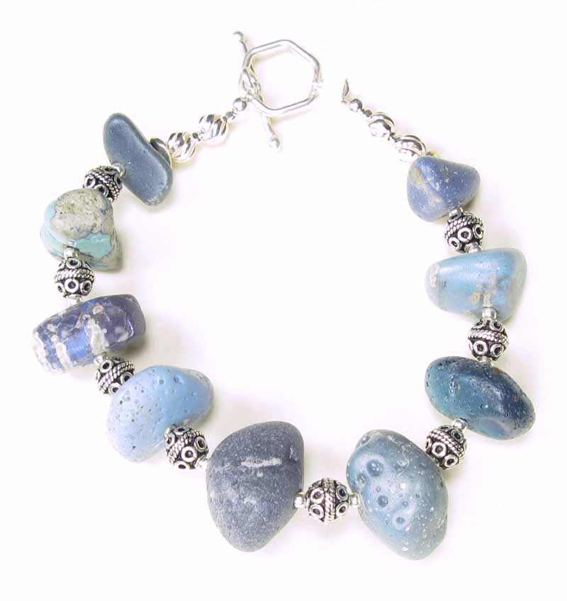 Bracelet in Leland Blue Chunks