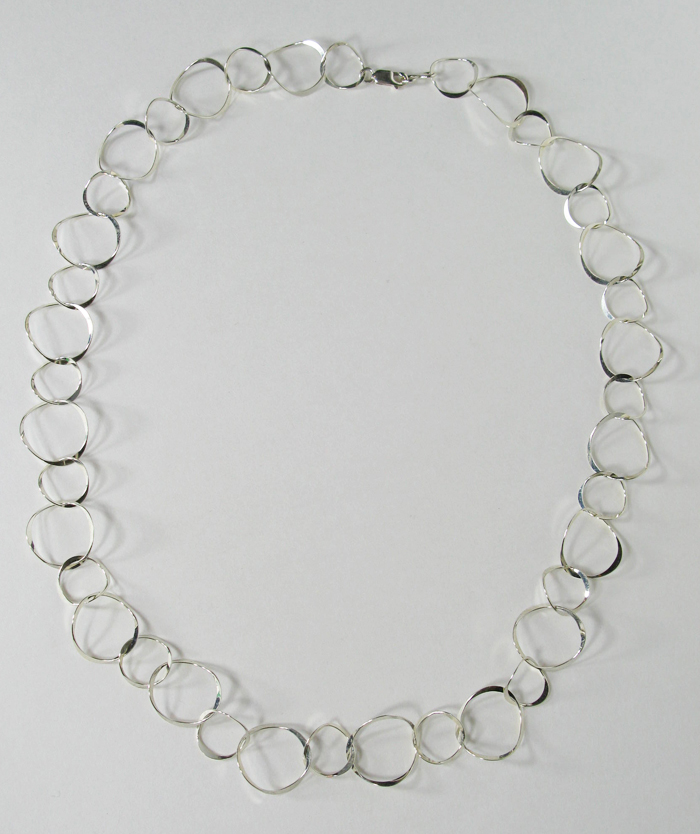 Short Necklace with Curved Rings