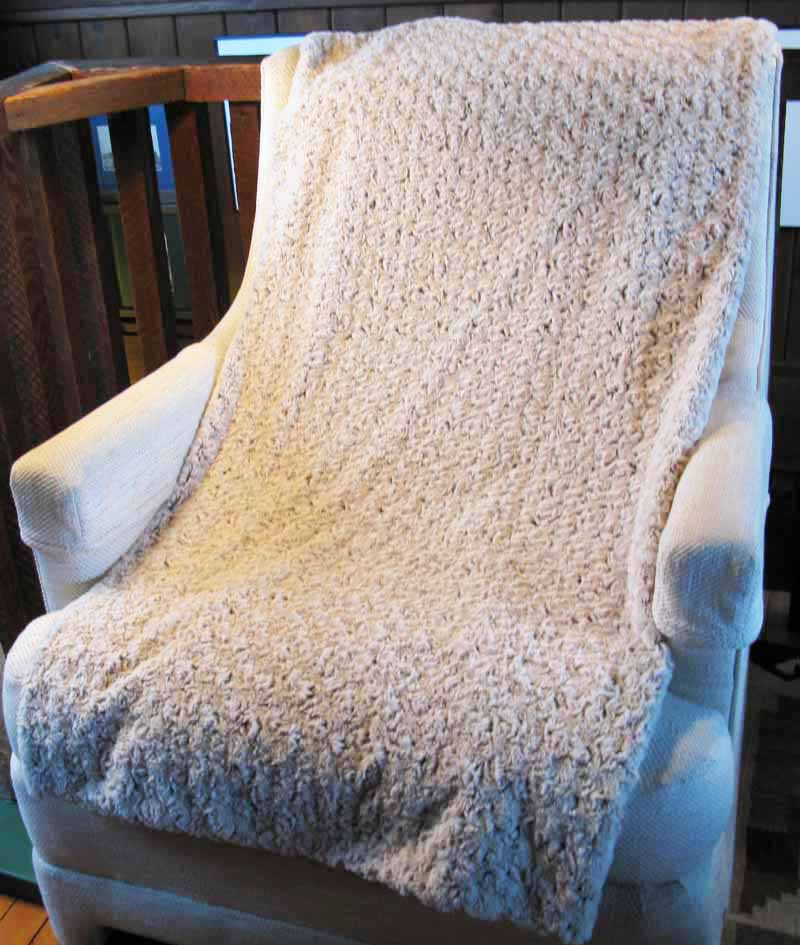 Blanket Throw in Brown Rosebud Faux Fur