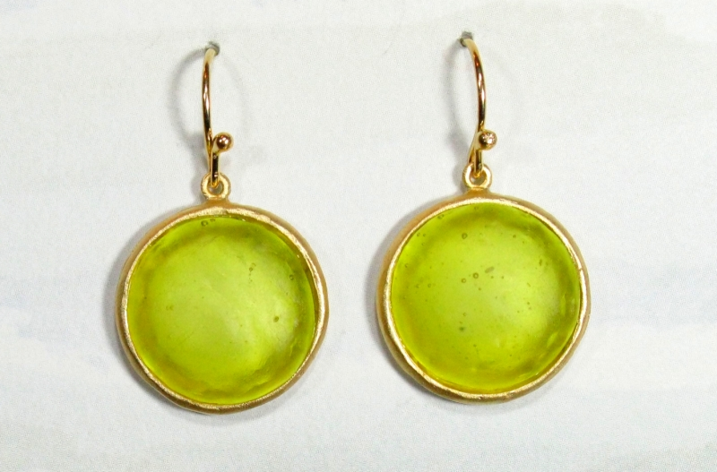 Round Cast Glass Drop Earrings in Kiwi