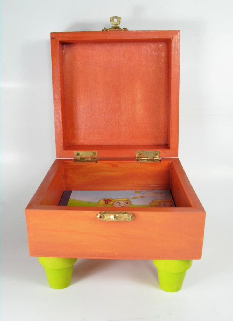 Large Toybox with Feet