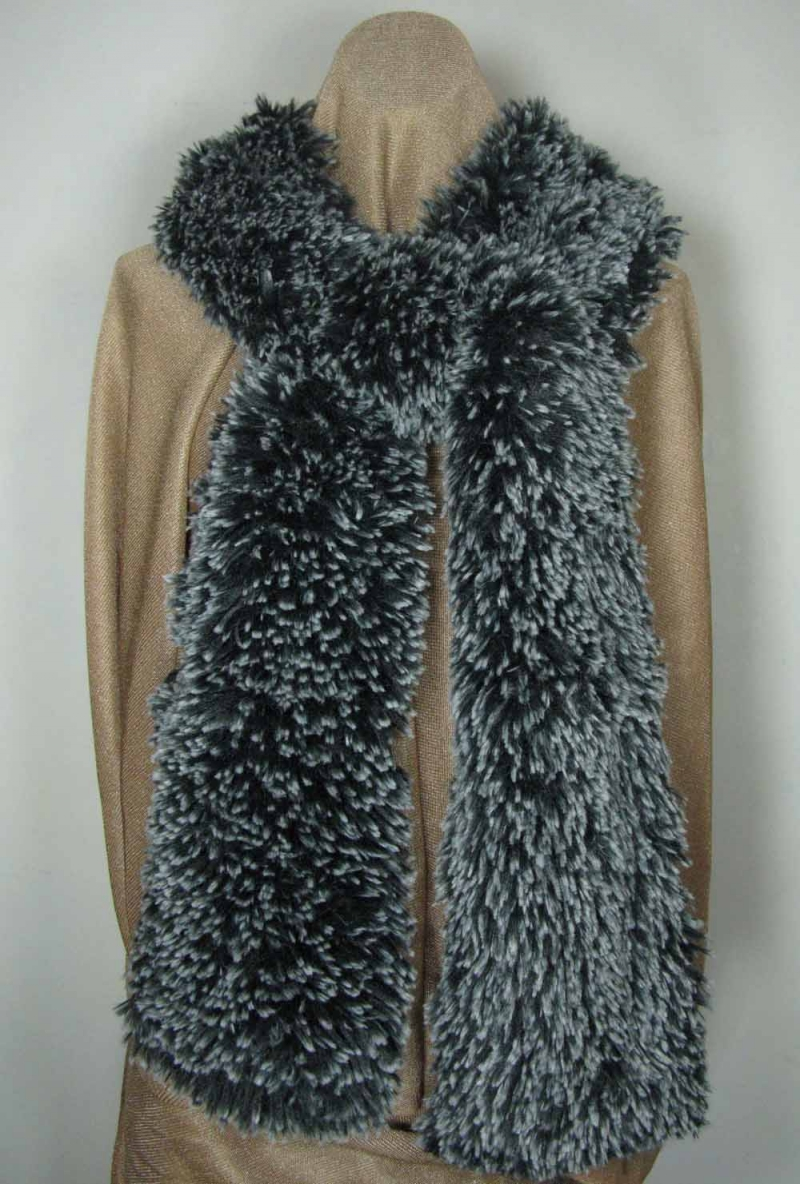 Scarf in Black Silver Tipped Faux Fur