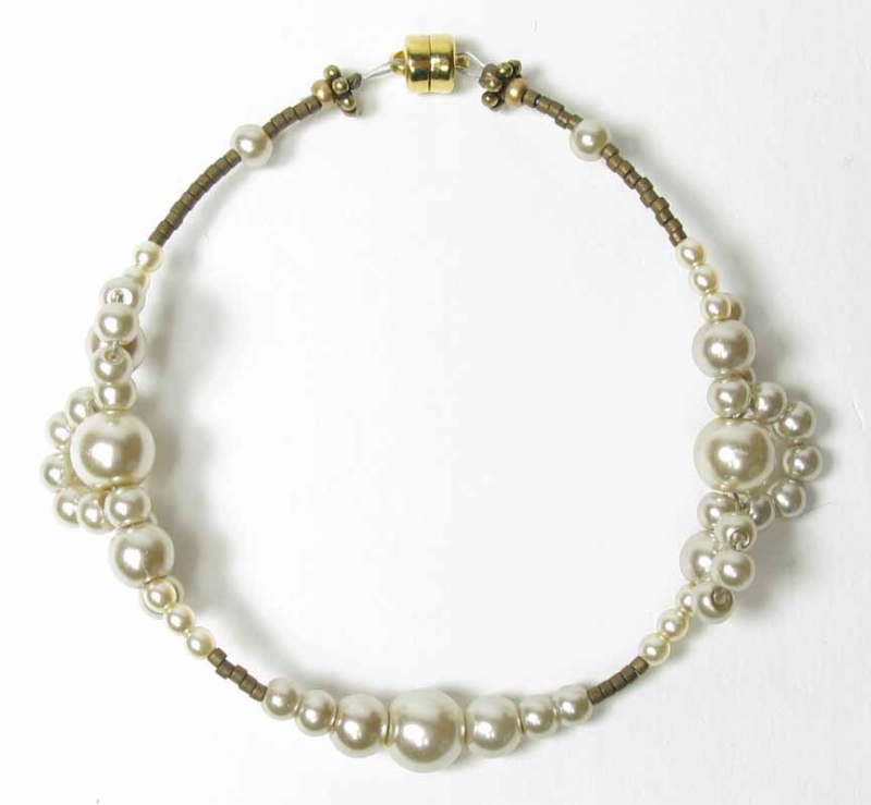 Pearl Lace Bracelet in Almond