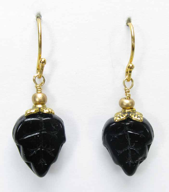 Leaf Earrings in Onyx