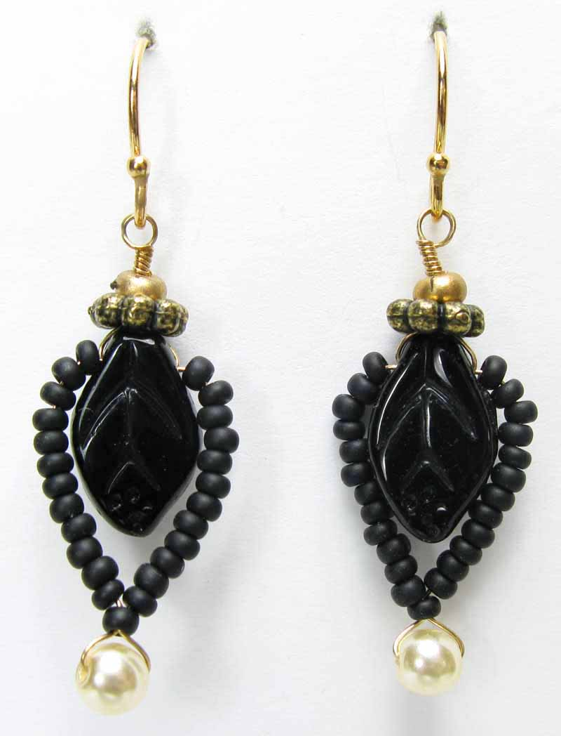 Woodsprite Earrings in Onyx