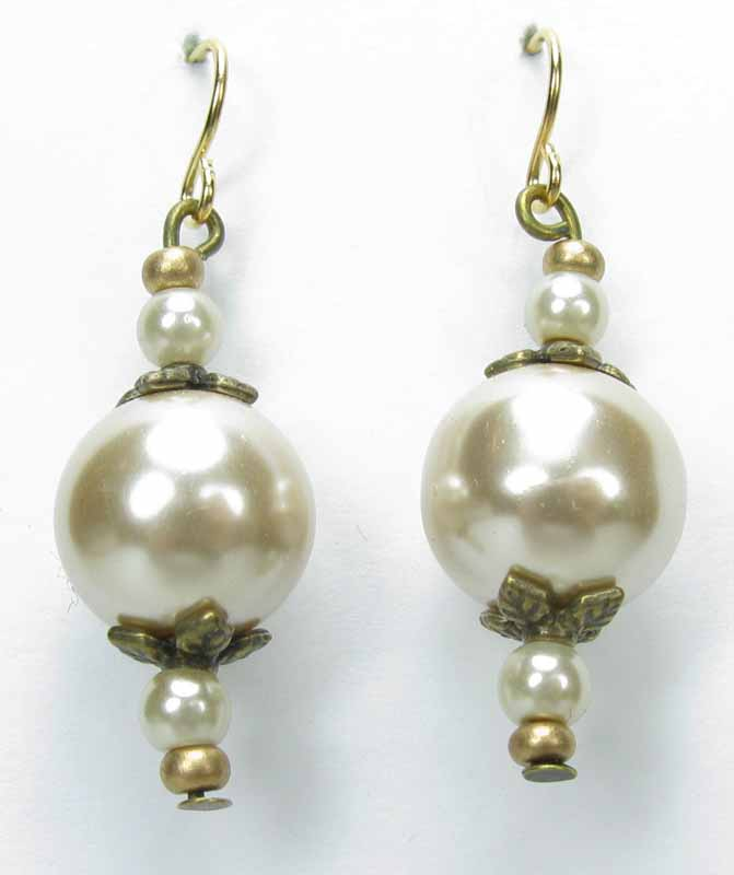 Lace Pearl Earrings in Almond Pearls