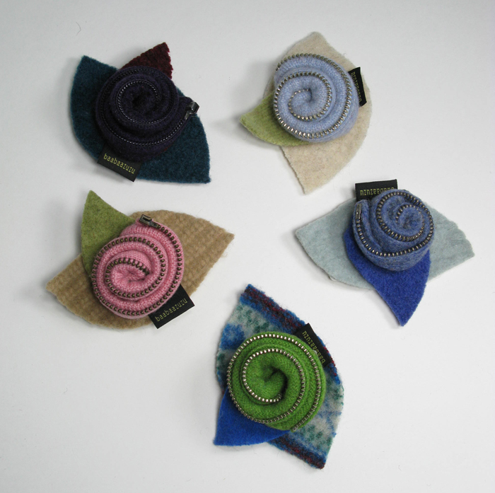 Rosette Pin - Recycled wool and zipper
