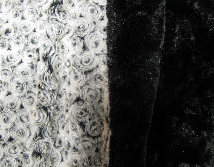 Blanket Throw in Black Rosebud/Cuddly Black Faux Fur