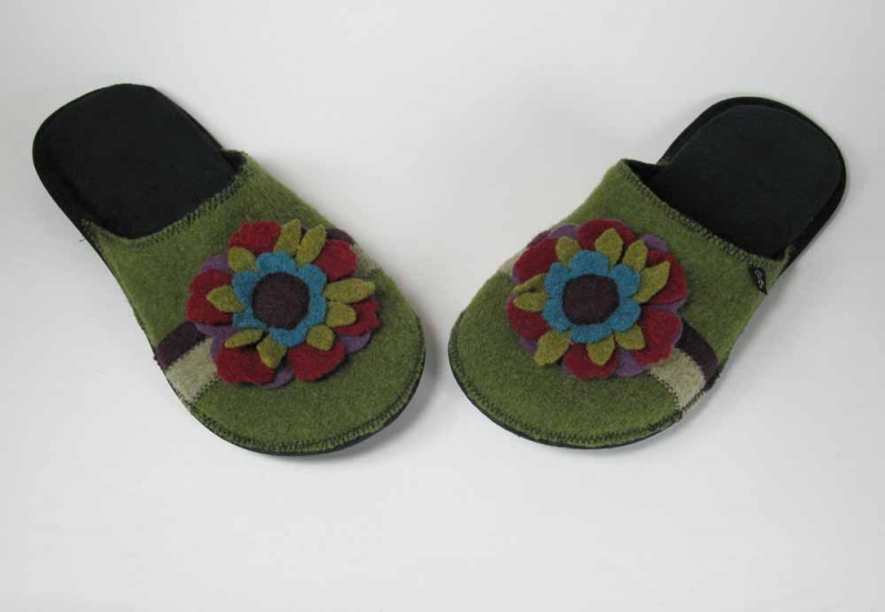 Wool Slippers with Flower