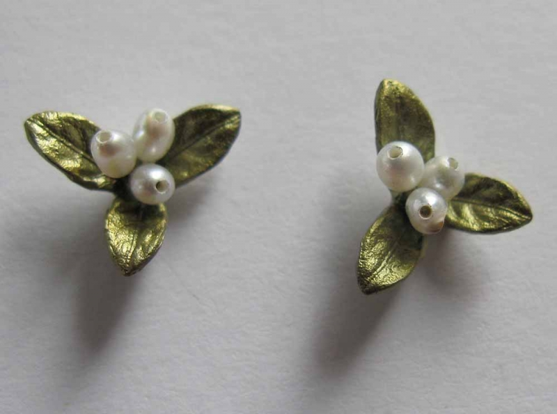 Petite Leaf Post Earring with Pearl