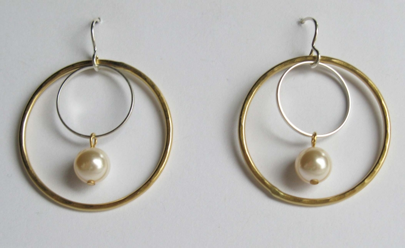Mixed metal hoops with pearl dangle