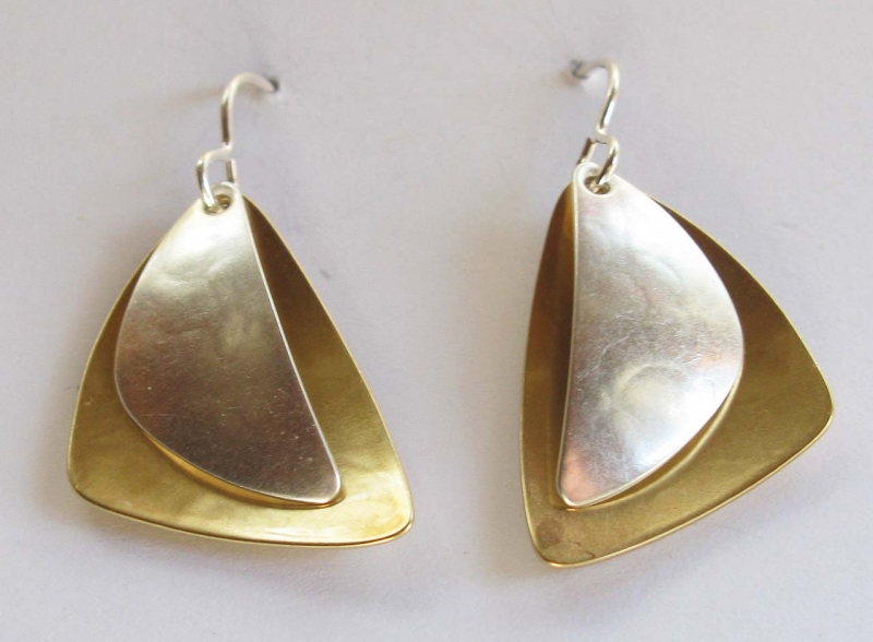 Layered rounded triangle earrings
