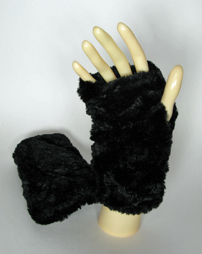 Faux Fur Fingerless Gloves in Black