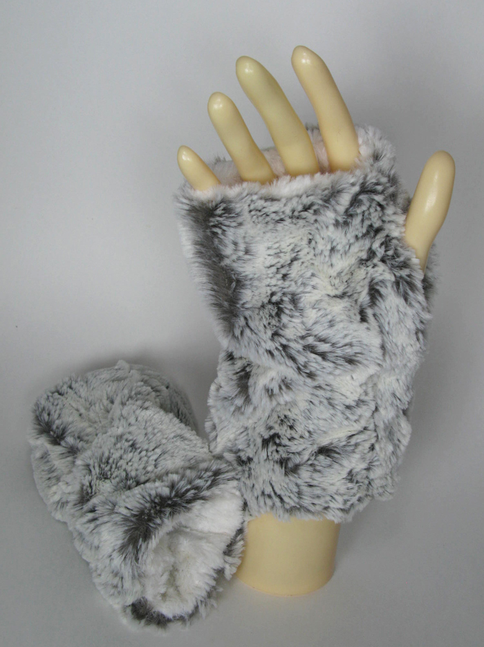 Faux Fur Fingerless Gloves in Khaki/Ivory