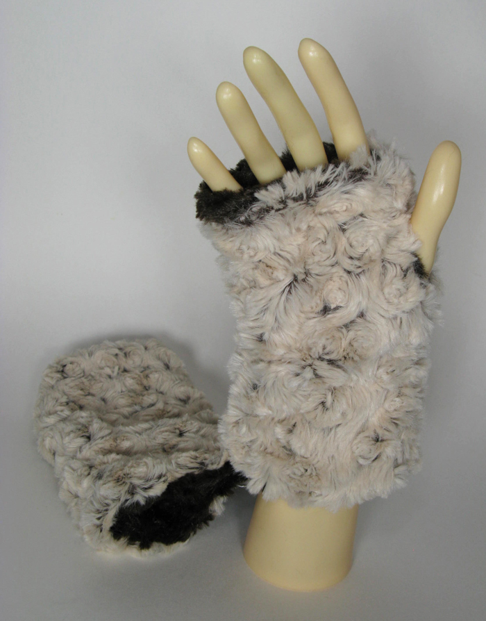 Faux Fur Fingerless Gloves in Brown Rosebud/Brown