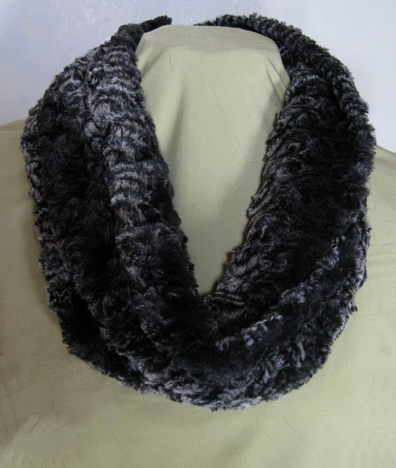 Infinity Scarf in Smokey Essence