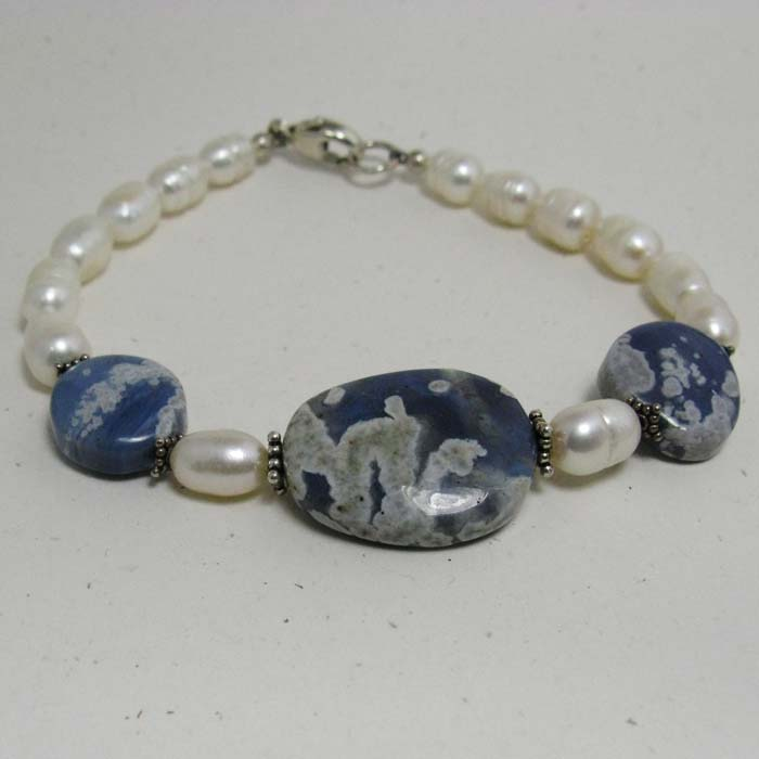 Bracelet in Leland Blue Stone and Pearls