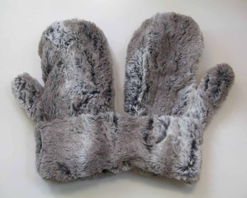 Faux Fur Mittens in Alder/Gray