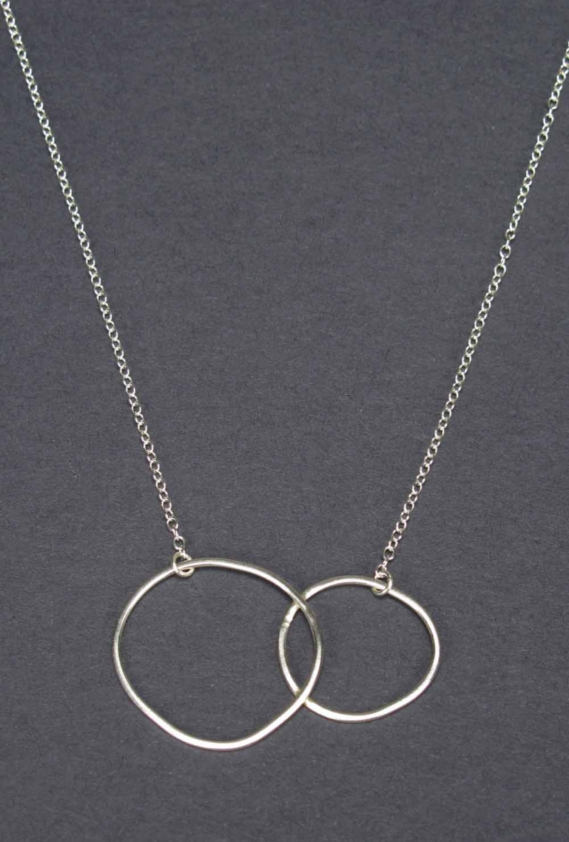 Silver Necklace - Overlapping Circles