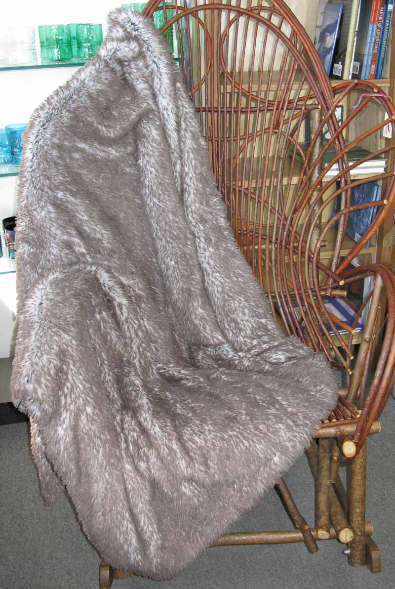 Blanket Throw in Tipped Arctic Fox Faux Fur