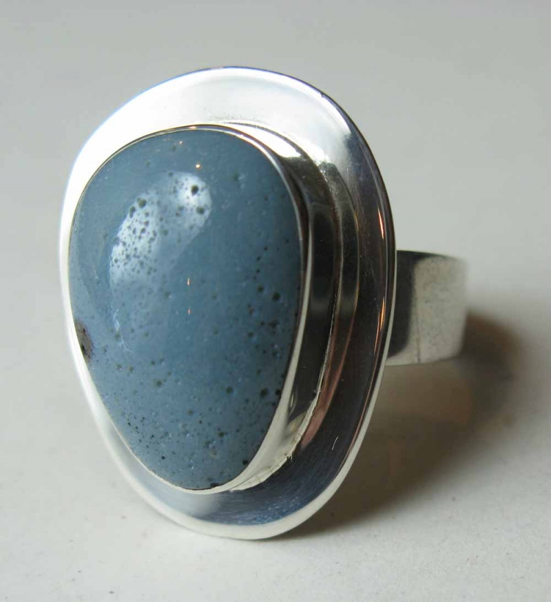 Leland Blue Stone Ring in Frame