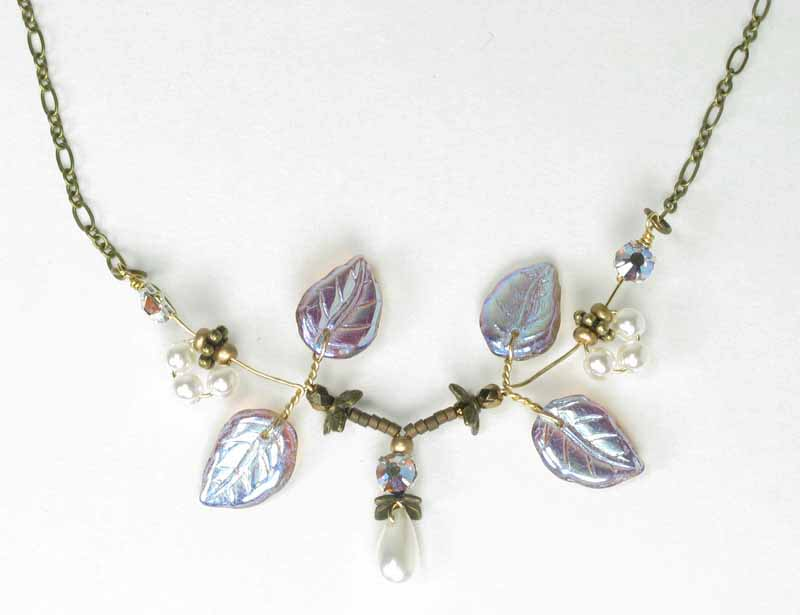 Pixie Necklace in Pearl