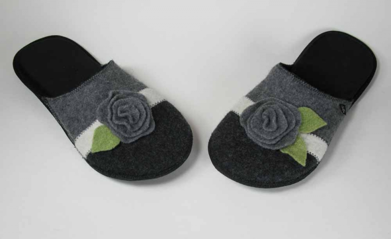 Wool Slippers Grey Green Flower