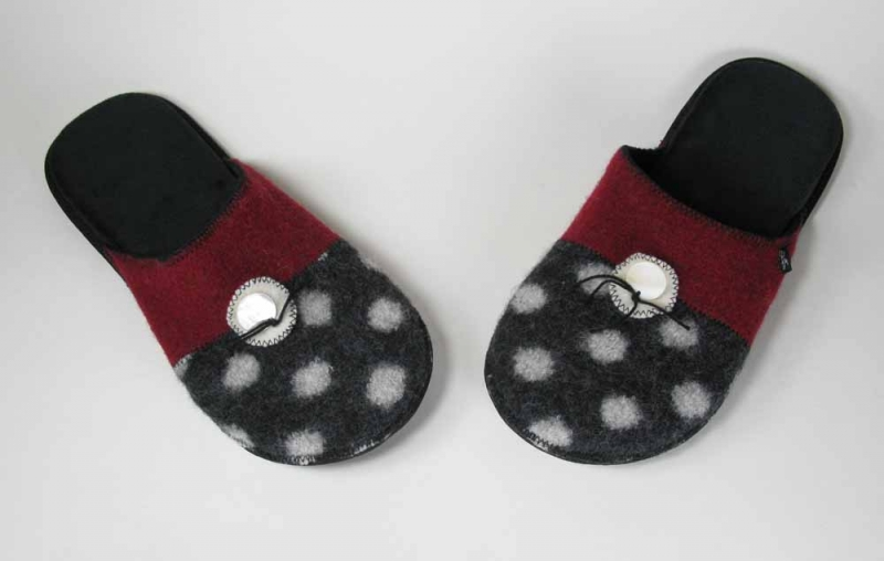 Wool Slippers in Polka Dot